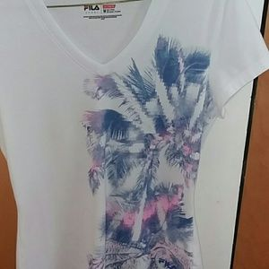 Fila t shirt medium.